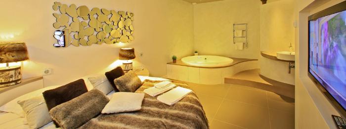 Hôtel avec piscine et spa